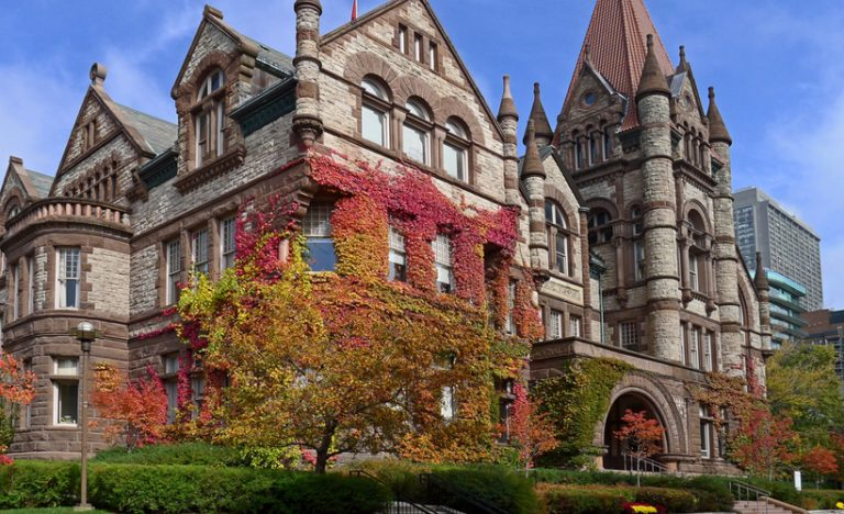 Top Universities and Colleges in Ontario for International Students